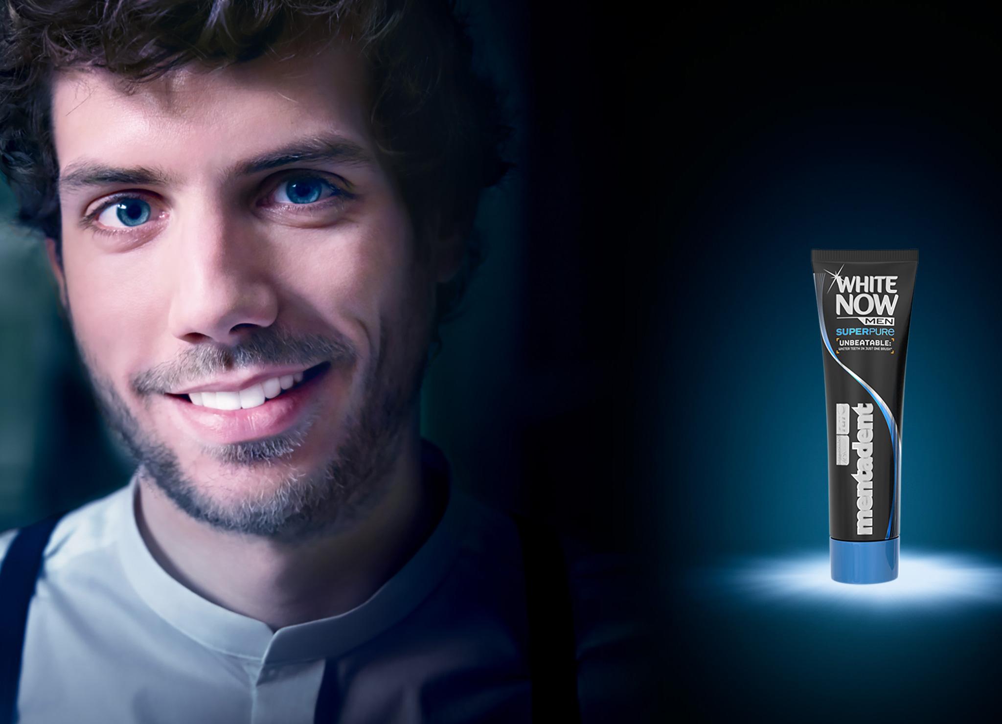 Dentifricio Mentadent White Now uomo per avere i denti bianchi